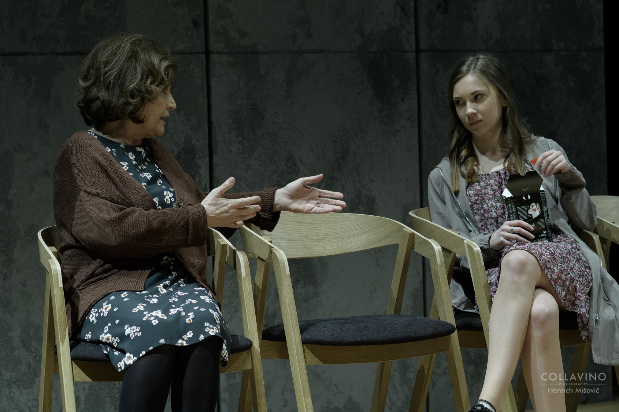 Emília Vášáryová(Petersová), Mária Schumerová(Inken Petersová)